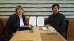 향후 협력에 대한 양해각서 체결한 한국범보전기금 이항 대표와 표범의 땅 국립공원 바라노브스카야 원장