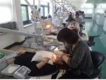 치주관리 프로그램 실습에 참여하고 있는 교육생