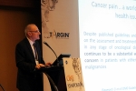 5월 26일 서울 그랜드 인터컨티넨탈 호텔에서 진행된 한국먼디파마 ONE 심포지엄에서 암성 통증 완화 치료 분야의 세계적인 권위자인 토니 오브라이언 교수가 강연을 진행하고 있다