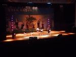 댄스 동아리 라이머가 제17회 전국 청소년 그룹댄싱가요경연대회에서 본선 공연을 펼치고 있다