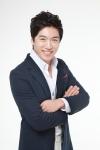 모델 겸 트로트 가수 홍원빈이 지난 5일 전주 MBC 라디오 두시만세 공개방송으로 진행되는 무주산골영화제에 축하 공연으로 참여 했다