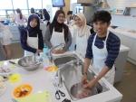 건국대가 외국인 유학생 대상 한국 식문화체험 행사를 개최했다