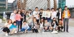 장애인먼저실천운동본부가 KBS 개그맨 김재욱 등 연예인 10명과 명현학교 학생들이 참여한 가운데 옆자리를 드립니다를 개최하였다