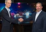 LG 시그니처 올레드 TV가 미국 뉴욕에서 열린 소비자 가전 전시회 주간에서 80여 명의 화질 전문가들이 꼽은 최고 울트라HD TV에 선정됐다