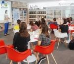 화장품 전문 기업 바이오파머시가 마포구 다문화 여성을 대상으로 뷰티 클래스를 진행하고 있다.