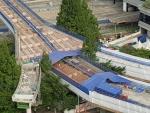 2017년 4월 사람길로 다시 태어나는 서울역 고가를 안전하게 받쳐줄 새 바닥판이 17일부터 설치되기 시작했다