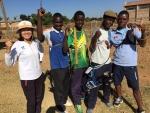 (좌측부터) 박영숙 감독, 죠셉, 오스틴, 마크, 알레네오 등 양궁 대표팀 선수들이 알레네오의 올림픽 참가를 함께 응원하고 있다