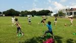 플래그풋볼 기본기 배운 다음 팀별 연습중인 제주 토산초등학교 어린이들
