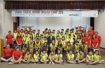 김영재 볼보트럭코리아 사장이 2016 볼보트럭 어린이 여름 영어 캠프에 참가한 어린이들과 단체사진을 촬영했다