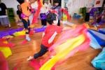 초록산타 상상학교에서 문화예술교육을 받고 있는 어린이