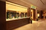 롤렉스의 공식판매점인 명보사가 레노베이션을 마치고 2일 부산 신세계백화점 센텀시티점 1층에 새롭게 오픈했다