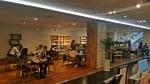 한복 체험, 한류문화상품 구매가 가능한 라운지 내부는 회의실 대여는 물론 외국인 관광객을 위한 여행 상품 안내의 기능까지 갖추고 있다