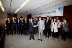 KDB산업은행 6시그마 도입현장(왼쪽 두번째 회색정장, 케이엠아이컨설팅 박희재 대표)