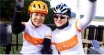 자전거 평화여행에 참가 중인 청소년들