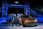 랜드로버가 기네스 기록을 경신한 초대형 레고에서 7인승 SUV 디스커버리 신형을 공개했다