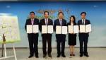 8월 31일 고용노동부 이기권 장관(가운데), 알바천국 최인녕 대표(우측에서 두 번째)
