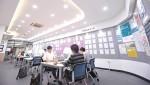 건국대가 학생들의 취업과 창업 등 진로 지원의 전문성과 효율성을 높이기 위해 교내 학생회관 2층 기존 인재개발센터 공간 120평을 확장 및 전면 리모델링한 '취·창업 지원 종합센터'를 오픈했다