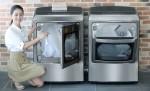 LG전자가 22일 세계최초로 2개 방향으로 도어를 열고 닫을 수 있는 가스식 건조기 신제품을 출시했다