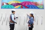 삼성물산은 건설 현장의 안전시설로만 활용했던 가림벽에 새로운 아이디어를 더해 지역주민과 함께 하는 배려의 공간으로 탈바꿈해 주목을 끌고 있다