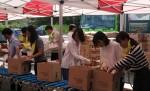 CJ제일제당 임직원들은 가수 박보람과 함께 지난 9월 26일 서울 도봉구 창동 푸드뱅크 물류창고에서 진행된 '2016 희망나눔 선물세트 조립봉사'에 참여해, 복지 소외계층에 전달할 고추장, 밀가루 등 선물세트를 조립하는 봉사활동을 펼쳤다