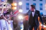 2016 미션힐스 월드 셀러브리티 프로암에 참가한 헐리우드 배우 제레미 레너가 오프닝 세리머니에서 레드카펫을 밟고 있다