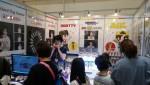 여성 청년창업가 고하린이 서울국제문구·학용·사무용품종합전시회에서 인기 캐릭터를 접목한 멀티형 악기를 선보였다