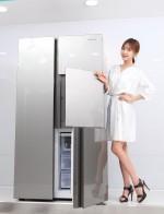 동부대우전자가 공간효율성을 강화한 2017년형 3도어 냉장고 클라쎄 큐브 신제품을 출시했다