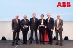 스위스 최고의 연구상인 제1회 후버투스 폰 그륀베르크 기념 ABB 국제연구상이 30만달러를 수여했다. (사진 좌에서 우로) 피터 보저 ABB 이사회 회장, 로니 벨만스 루벤대학교 교수, 후버투스 폰 그륀베르크 전 ABB 회장, 루벤대학교 제프 베르텐 수상자, 울리히 스피소퍼 ABB 최고경영자, 바즈미 후세인 ABB 최고기술책임자