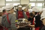 온라인 마케팅 기업 엔서치마케팅이 사랑의 빵 만들기 봉사활동에 참여했다