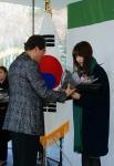 경기 나눔천사 페스티벌 표창 수상 초록우산어린이재단 이제훈 회장(좌), 한국OGK 홍보팀 박정현 차장