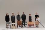 왼쪽부터 메티 헤이, 문승지, 티노 수벌트, 필립 말루윈, 루시 커렌, 마리안 벤 오벨이 광고 촬영 중 포즈를 취하고 있다