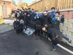 한국보건복지인력개발원 광주사회복무교육센터 봉사동아리 더 좋은친구 하비가 17일 광주 북구 일곡동에 거주하는 독거노인들의 집을 찾아 연탄나눔 봉사를 진행했다