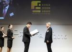 퍼시스 이종태 대표가 30일 열린 제18회 대한민국디자인대상에서 디자인공로 부문 산업포장을 수상했다