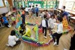 서울문화재단이 서울시내 초등학교와 중학교에서 예술교육을 진행할 서울형 예술가교사 230명을 모집한다. 사진은 예술로 플러스 수업 현장