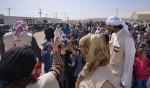 셰이카 자와헤르 빈트 모하메드 알 카시미 왕비가 요르단 알-자타리 난민 캠프를 방문했다
