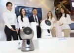 코웨이가 5일부터 8일까지 미국 라스베이거스에서 개최되는 세계 최대 가전·정보기술전시회 2017 CES에 2년 연속 참가해 소비자 안심과 신뢰에 중점을 둔 혁신 제품과 케어서비스를 선보인다