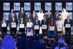 셰이크 모하메드 아부다비 왕세자가 오늘 아부다비에서 열린 2017 자예드 미래 에너지상 시상식에서 9명의 수상자들에게 상을 수여했다