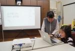 에듀윌 사회공헌위원회는 방송인 서경석 성신여대 서경덕 교수와 함께 일본 우토로 마을에 위치한 한글학교에 교육 물품을 기증했다