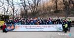 실천하는 NGO 함께하는 사랑밭이 11일 서울시 홍제동 개미마을에 연탄 나눔 행사를 진행했다