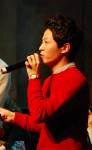 박성윤 대표가 뮤지컬 작품 해설을 하고 있다