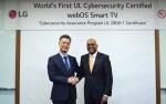 LG전자는 글로벌 안전규격 개발 및 인증 기관인 UL로부터 스마트 TV 플랫폼인 웹OS 3.5에 대한 사이버 보안 인증규격 CAP를 획득했다