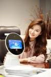 SK텔레콤은 세계 최대 모바일 축제인 MWC 2017에서 자사 차세대 AI 로봇,  외부 개발사 AI 연동 로봇, IBM왓슨 기반의 AI 에이브릴과 연동된 누구 등을 선보인다