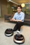 삼성전자가 슬림한 디자인과 강력한 흡입력까지 갖춰 세계 최대 가전전시회 CES 2017에서 혁신상을 수상한 로봇청소기 파워봇 신제품을 출시한다