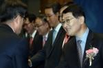 신한은행이 7일 오후 3시 서울 중구 세종대로 소재 신한은행 본점에서 임직원 250여명이 참석한 가운데 위성호 은행장 취임식을 가졌다