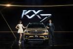 기아차가 중국 전용 중형 SUV KX7을 앞세워 중국 시장을 공략한다