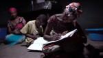 태양광 랜턴을 사용하여 어린이들이 안전하게 공부할 수 있다