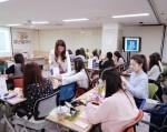 아미코스메틱이 대학생 취업동아리 더빅스터디와 함께 21일 취업준비생을 대상으로 서울 광화문에 위치한 청년희망재단에서 면접 메이크업 뷰티클래스를 진행했다