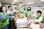 지멘스이 자사 임직원 봉사 단체 더 나눔 봉사단이 14일 서울 서대문종합사회복지관 및 독거노인 가구를 직접 찾아 사랑의 물품 배달 활동을 펼쳤다