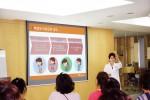 강동미즈여성병원 산부인과 전문의 박연이 원장이 정기적으로 개최되는 여성 건강강좌에서 강연하고 있다