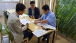 경북창조경제경혁신센터가 ICT융합 스마트공장 보급·확산 지원사업 공고를 통해 모집된 기업과 협약을 맺고 있다